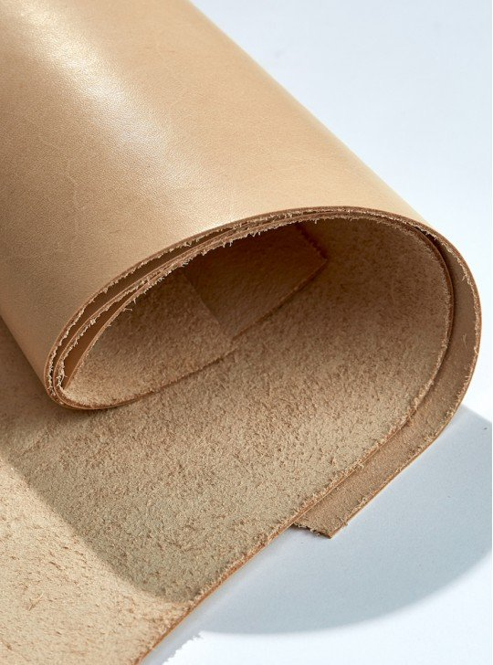 THE VEGETABLE LEATHER | COLOR: BEIGE | THICKNESS: 1.3 - 1.5 MM